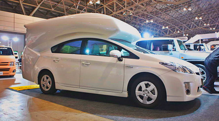 "Toyota Prius Als ""Wohn-Mobil"""