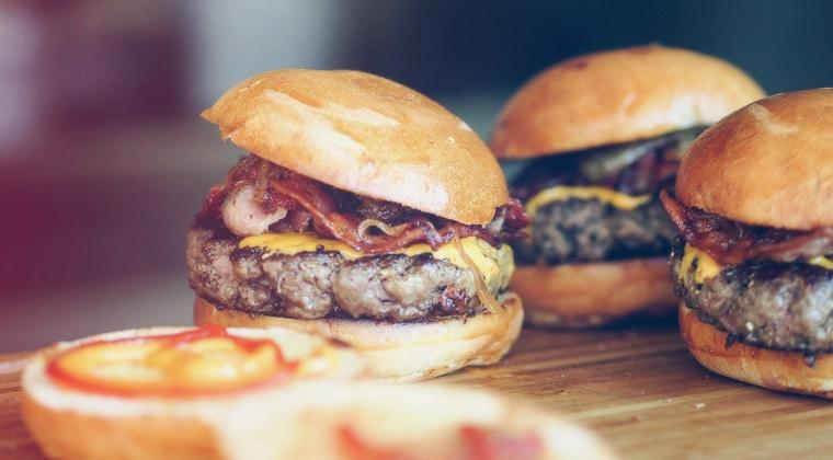 Camping-Rezepte: Cheeseburger Mit Speck Und Portobello-Pilzen