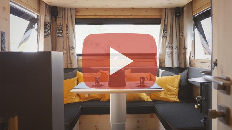 Die Zirbenbox – Eine Rollende Offroad-Almhütte Komplett Aus Holz!
